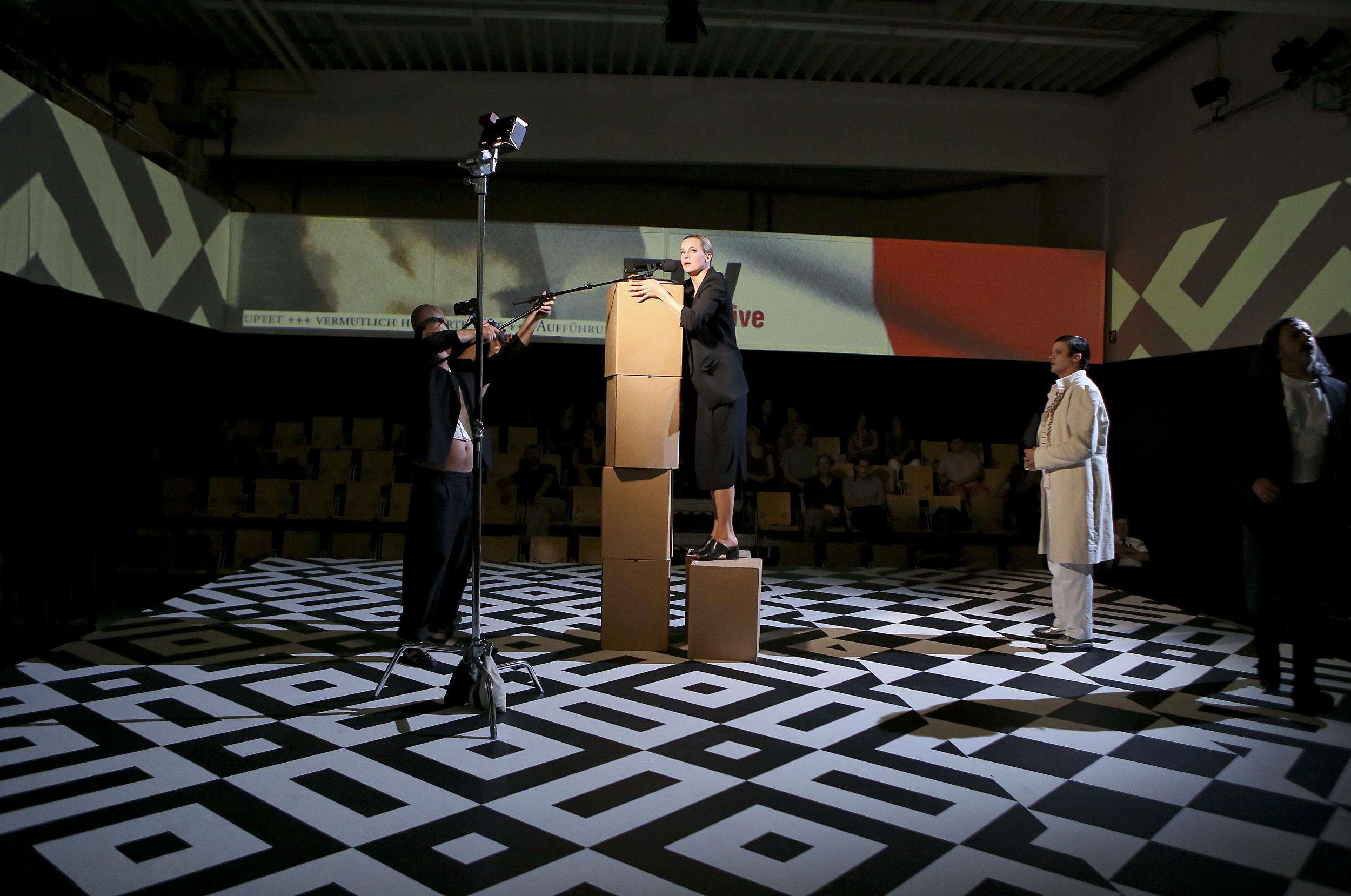 Susanne Priebs Triumph der Freiheit  Schauspiel Dortmund 1